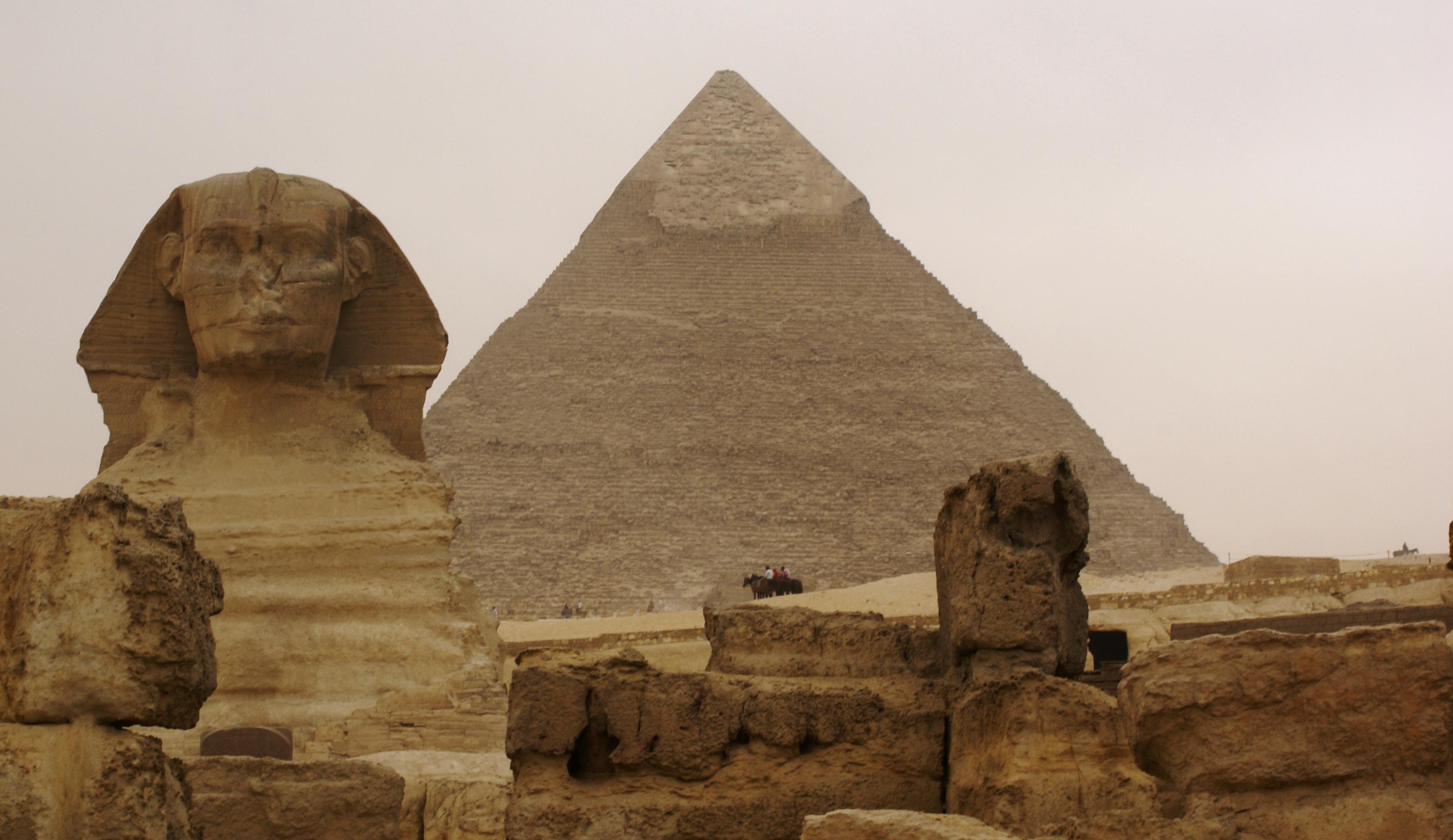 Bild von 2 von 3 Monumente